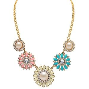 Jewelry - Floral Cabochon Crystal Pearl Statement Necklace
